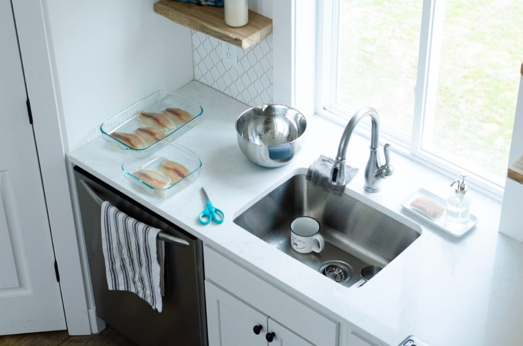 Single basin sink with granite counter cut out