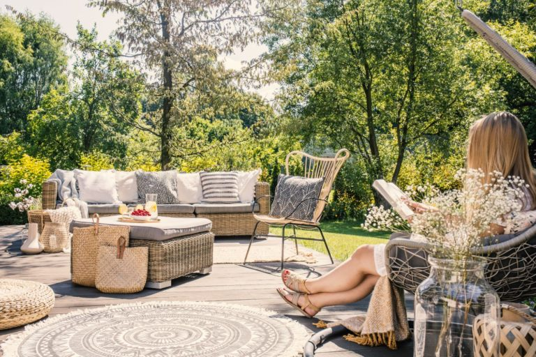 backyard patio set with rug