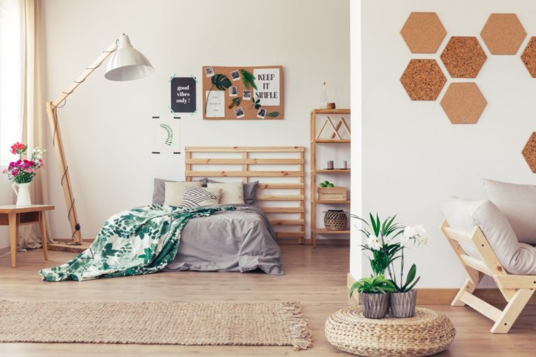 Clean Jute Rug in Bedroom