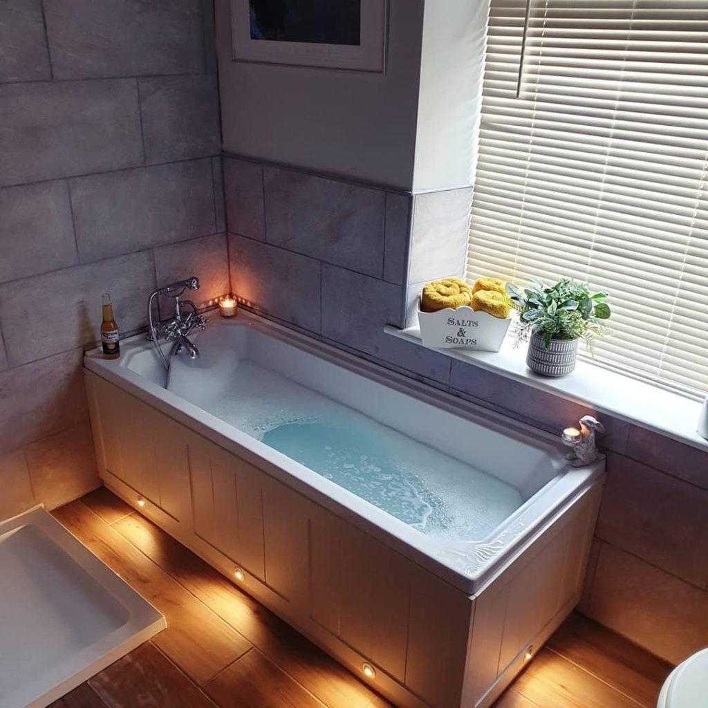 relaxing bathroom bath tub white lighting Bathroom Lighting Ideas