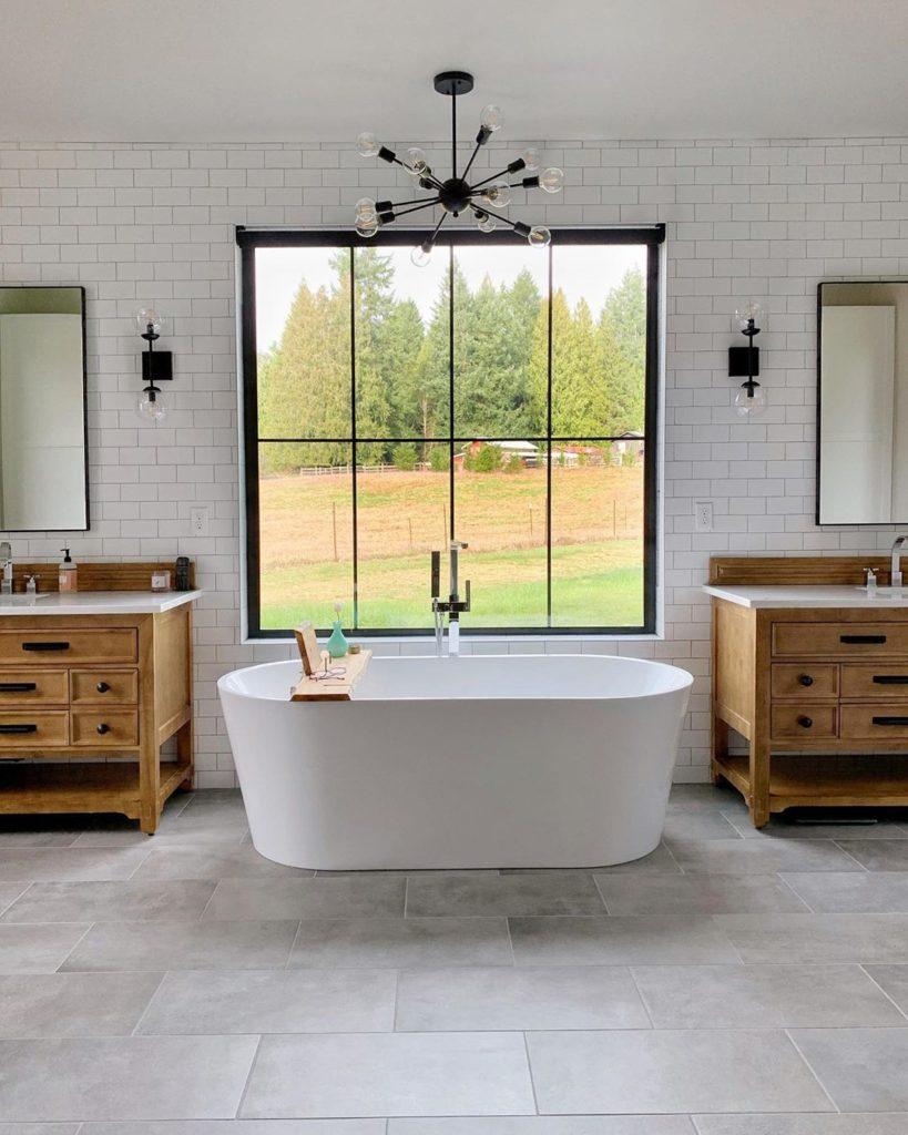 bath tub idea in farmhouse bathroom