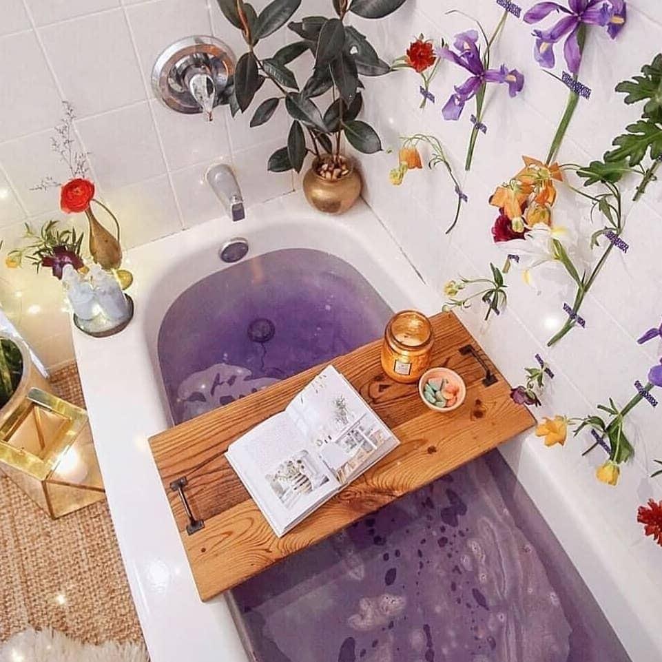 flower lilac bath tub idea