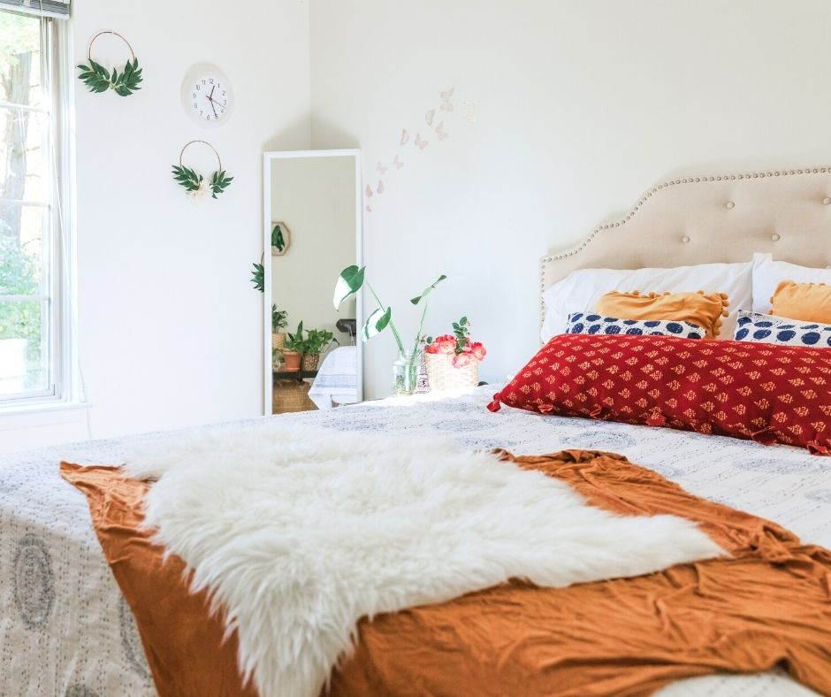 Making a room look bigger with color saturation