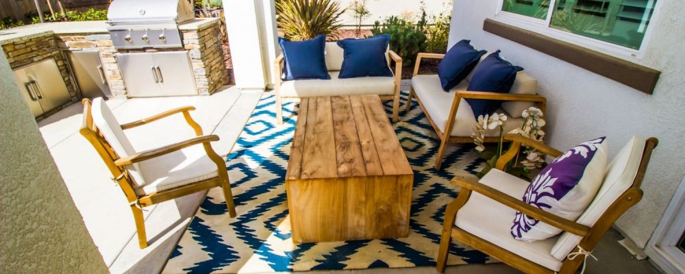 Outdoor Rug Under Furniture